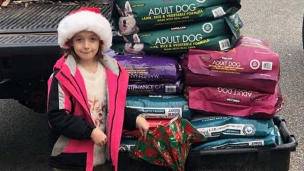 Girl donates 600 lbs. of food to animal shelter instead of getting toys for Christmas