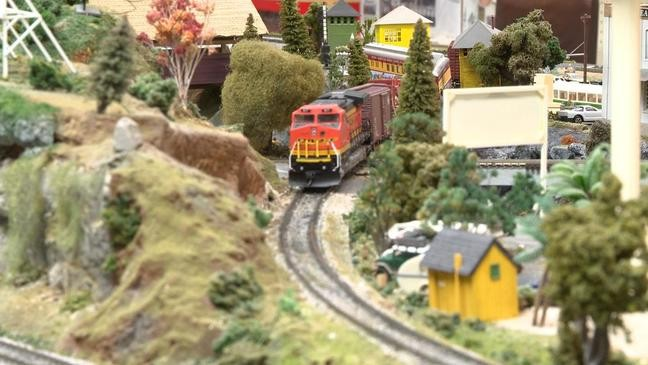 Model trains continue to spark joy at Christmas. / Source: WEAR